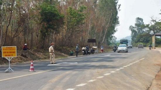 Nam thanh niên cướp ô tô, đánh cảnh sát để trốn cách ly