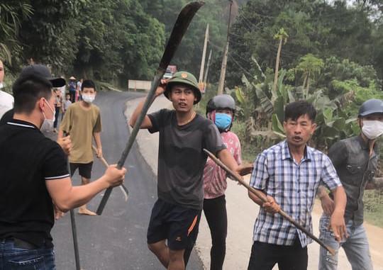 """Bắt 3 đối tượng cầm đầu vụ """"đại náo"""" Lương Sơn"""