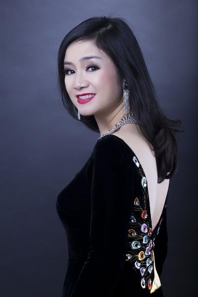 """NSND Công Lý, Quang Thắng và Hương """"Voi"""" cùng chấm cuộc thi hát online"""