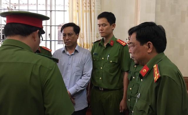 Trà Vinh: Kiến nghị kiểm điểm Phó Bí thư Tỉnh ủy và nhiều lãnh đạo