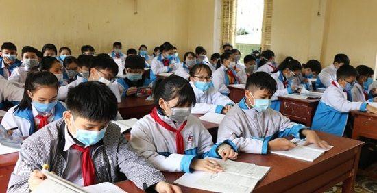 Hà Nội dự kiến cho học sinh lớp 9 và 12 trở lại trường vào 4/5