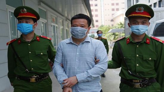 Hà Văn Thắm cùng nhiều đồng phạm tiếp tục hầu tòa