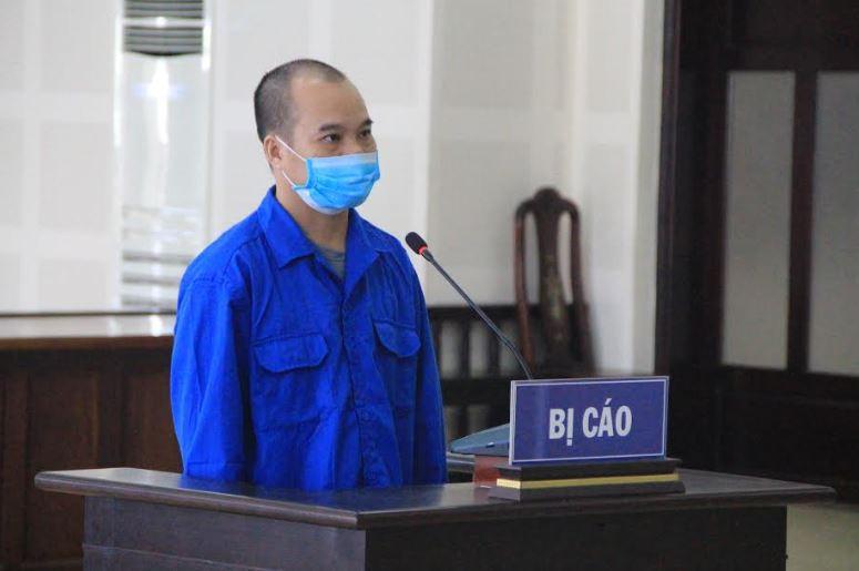 Cựu cán bộ Trung tâm y tế quận lừa chạy việc