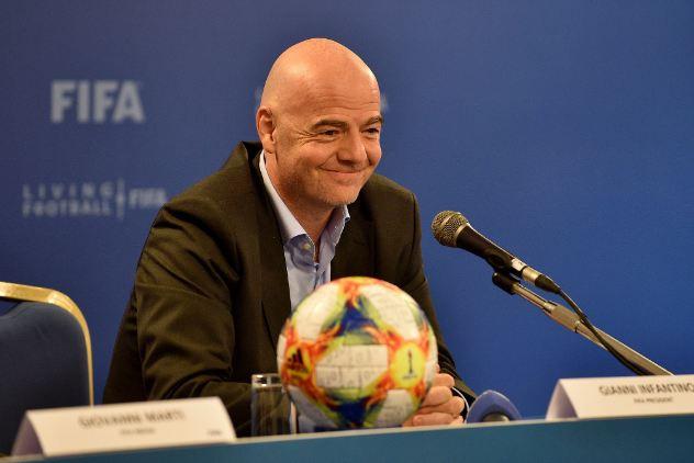 FIFA chính thức cho phép thay 5 cầu thủ trong 1 trận đấu