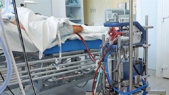 Phổi bệnh nhân 91 đông đặc, có nguy cơ thành ổ vi khuẩn