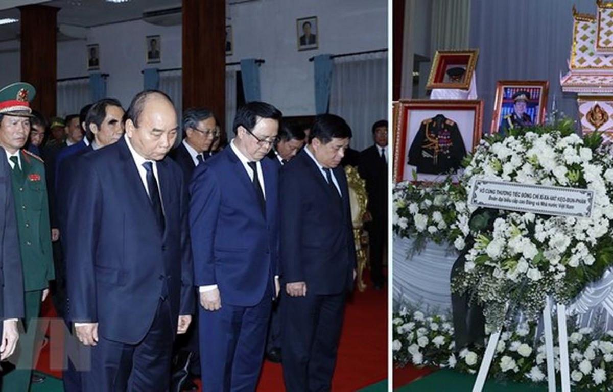 Điện chia buồn về việc nguyên Thủ tướng Lào Keobounphanh từ trần