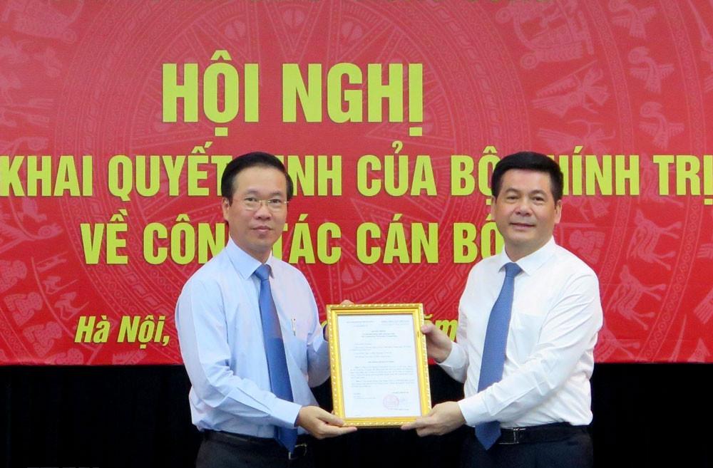 Trao quyết định bổ nhiệm tân Phó Trưởng Ban Tuyên giáo Trung ương