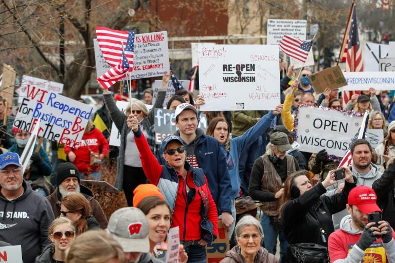 Tòa án Wisconsin của Mỹ đảo ngược các lệnh cách ly của tiểu bang