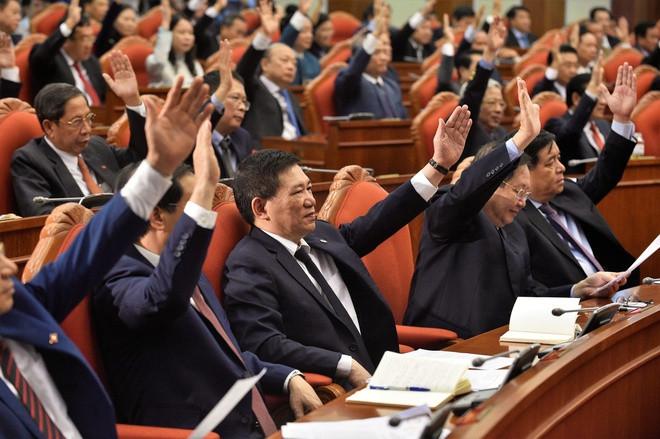 Trung ương bầu bổ sung 2 Ủy viên UBKT Trung ương; khai trừ Đảng Đô đốc Nguyễn Văn Hiến