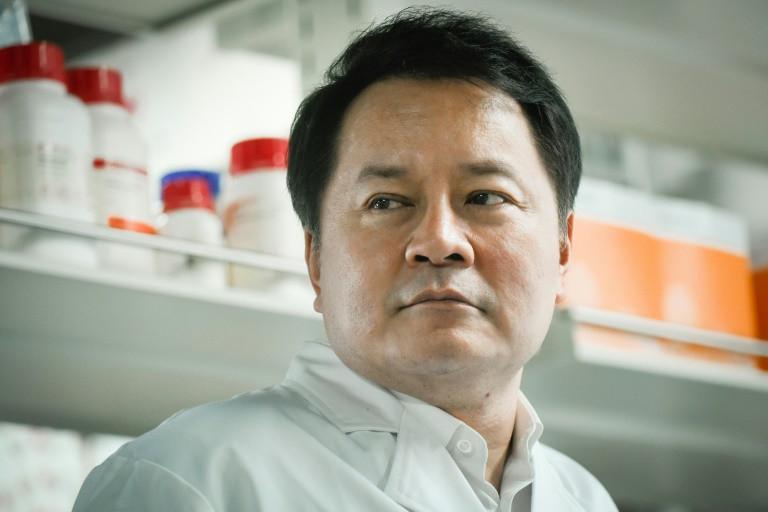 """Các nhà khoa học Trung Quốc tin rằng loại thuốc mới của họ có thể ngăn chặn đại dịch """"mà không cần vắc-xin"""""""