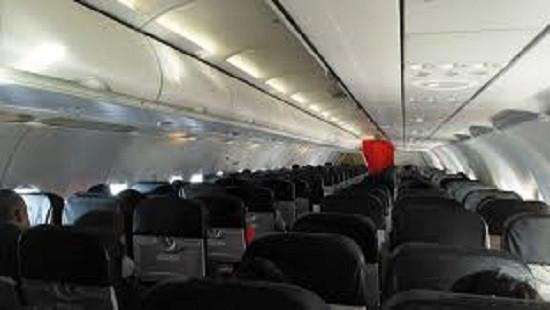 Phạt tù đối tượng người nước ngoài trộm tiền trên máy bay
