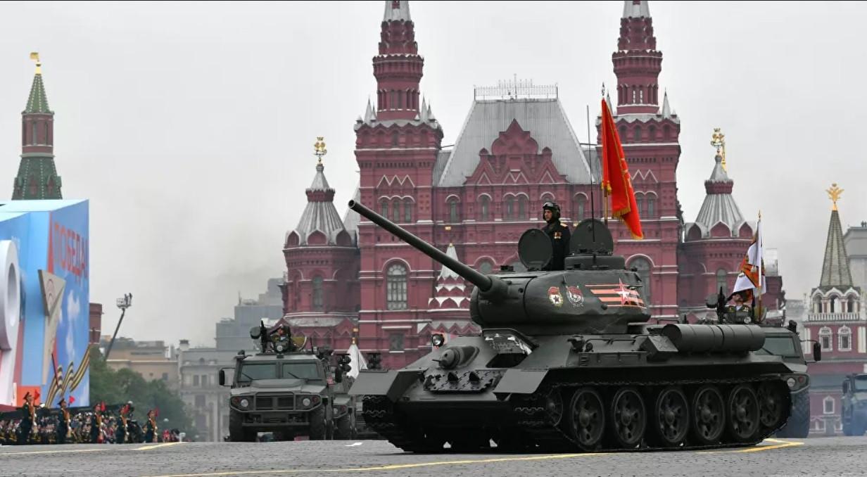 Nga: 30 xe tăng T-34 sẽ diễu qua Quảng trường Đỏ sau lễ duyệt binh