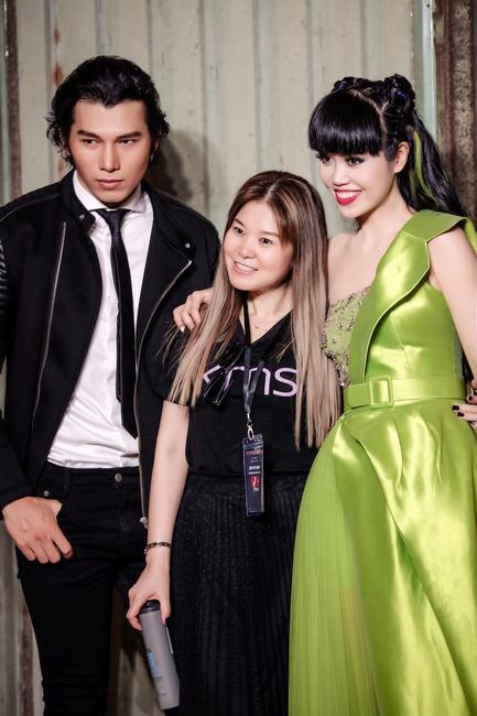 Tóc búi natra highlight xanh lá, NTM Minh Phương 'biến hình' xuất sắc cho Jessica Minh Anh