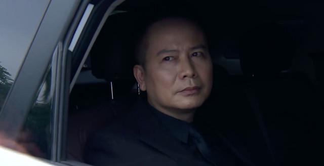 """""""Lựa chọn số phận"""" tập 2: Tuấn Tú nói xấu đồng nghiệp, Phương Oanh điều tra kẻ phá mộ bố người yêu"""