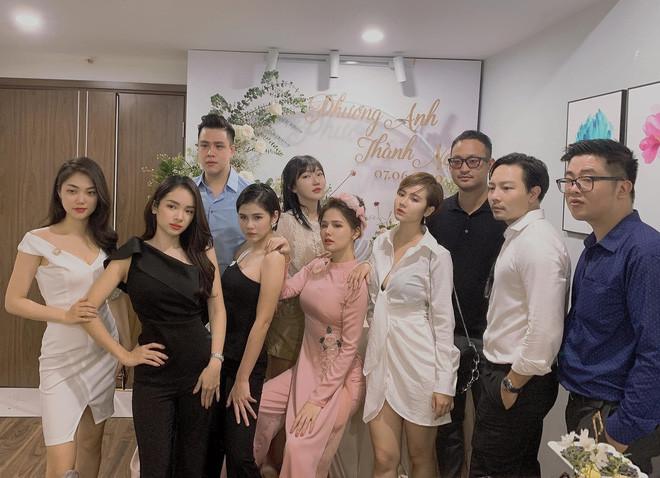 Phanh Lee và chồng đại gia không nhận phong bì mừng trong ngày cưới
