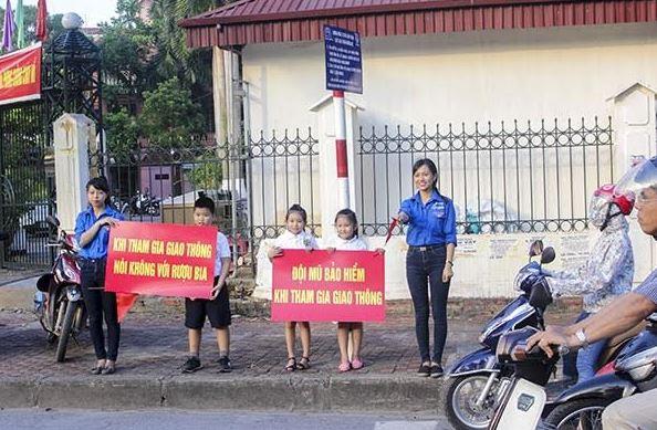 Trường THPT Chu Văn An: Tăng cường công tác tuyên truyền, giáo dục pháp luật về ATGT