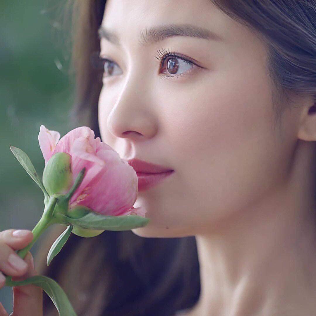 Choáng ngợp trước nhan sắc không tuổi của Song Hye Kyo