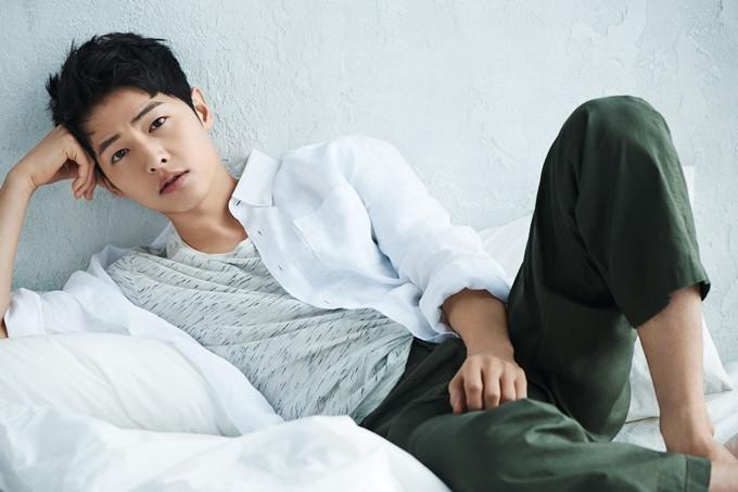 Song Joong Ki lần đầu vào vai ông trùm mafia