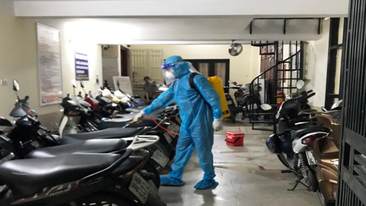 Hà Nội: Một nhân viên ngân hàng nghi mắc Covid-19