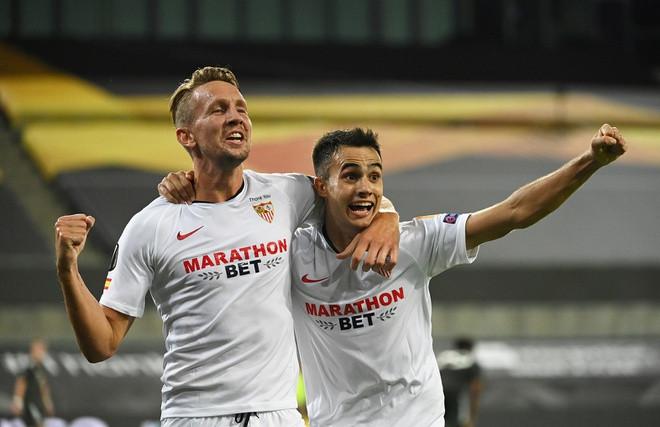 Sevilla ngược dòng loại Man Utd khỏi chung kết Europa League