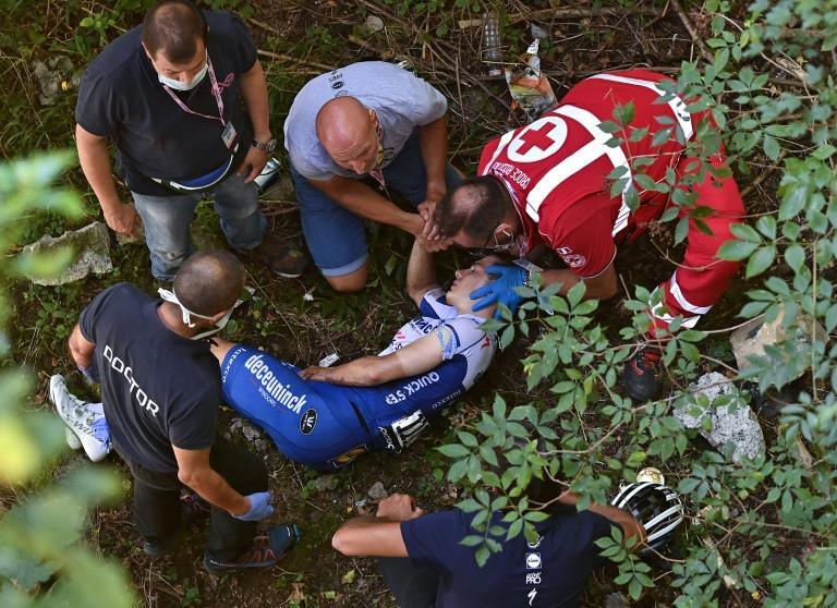 Tay đua người Bỉ Remco Evenpoel bị thương nghiêm trọng khi rơi xuống khe núi