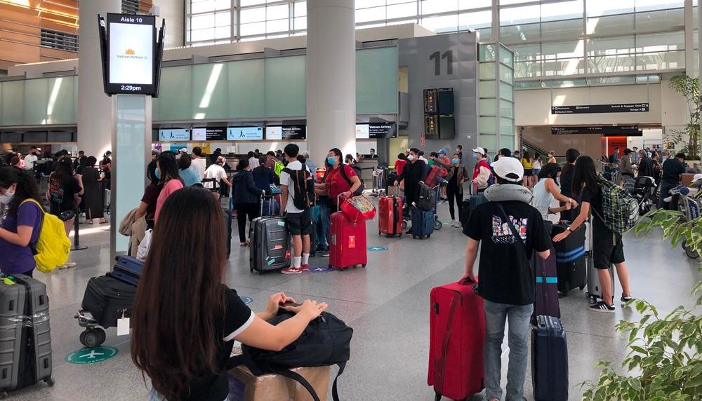 Dịch COVID-19: Đưa thêm hơn 340 công dân Việt Nam từ Mỹ về nước