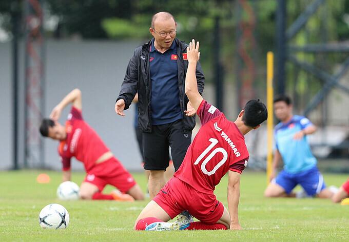 HLV Park Hang Seo đổi chiến thuật mới cho đội tuyển Việt Nam