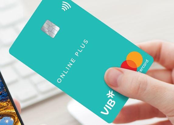 Người dùng ưu tiên mở thẻ tín dụng trực tuyến trong Covid-19
