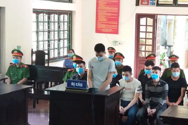 9 thanh niên tham gia hỗn chiến, dùng súng bắn nhau