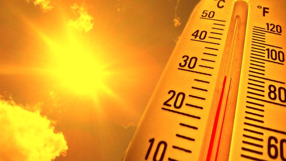 Hà Nội nắng nóng 37 độ C, chỉ số UV gây hại ở mức rất cao