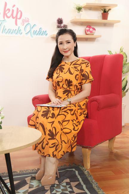 """Diễn viên Khánh Huyền: """"Dao kéo hay không là quyền của mỗi người, miễn mình thấy tự tin hơn là được"""""""