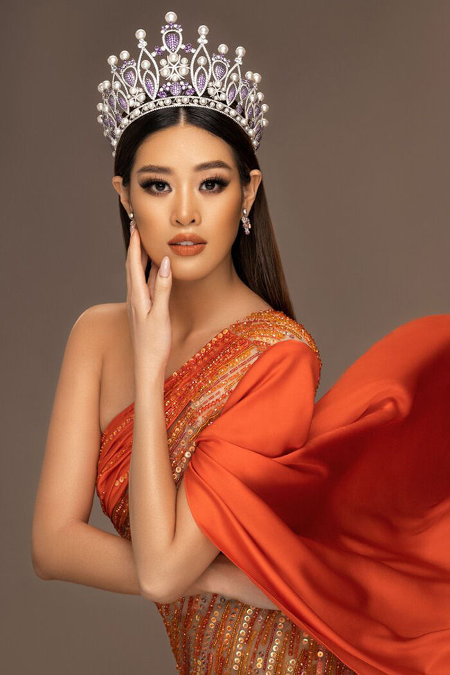 Võ Hoàng Yến - H'Hen Niê làm giám khảo chấm Trang phục dân tộc cho Khánh Vân