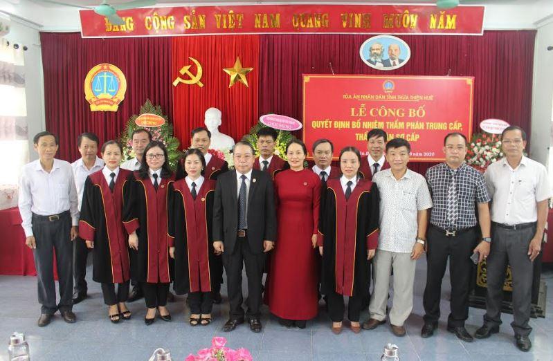 TAND tỉnh TT-Huế: Trao quyết định bổ nhiệm Thẩm phán trung cấp và sơ cấp