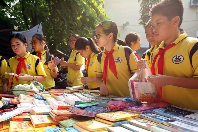 Hội đồng quốc gia thẩm định sách giáo khoa lớp 6 gồm 128 thành viên