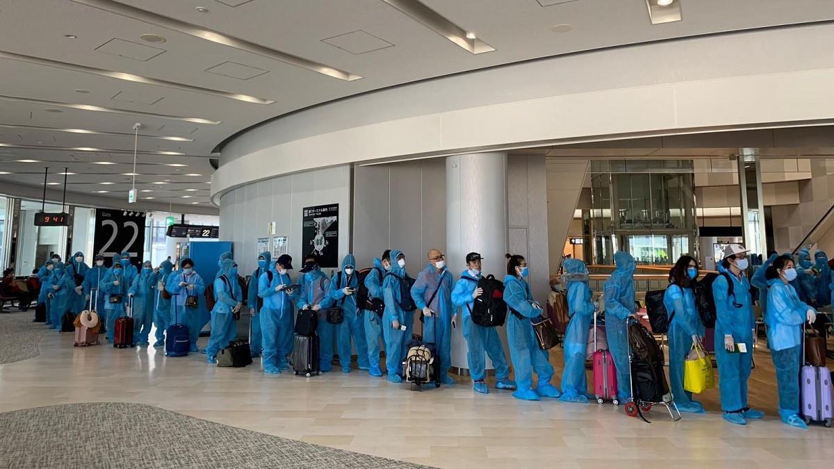 Thêm chuyến bay đưa hơn 350 công dân Việt Nam từ Nhật Bản về nước an toàn