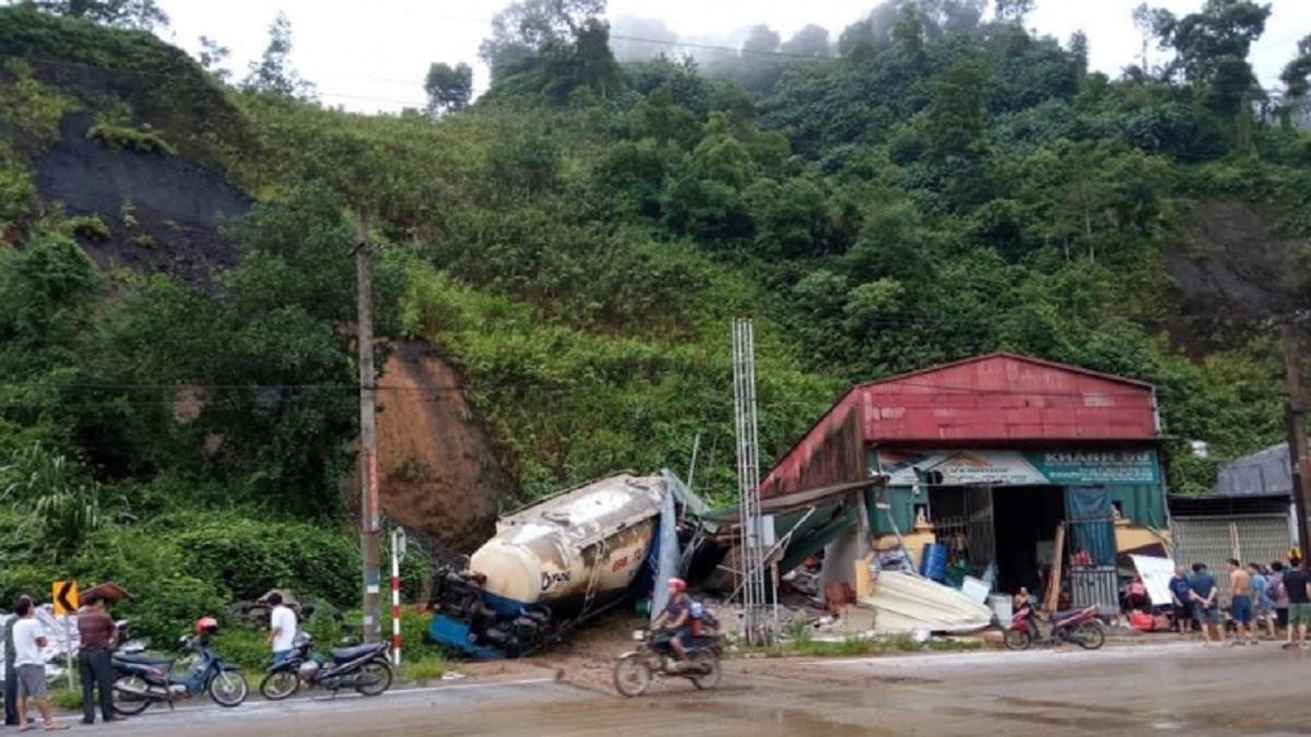 Hà Giang: Đá lở rơi vào nhà dân, một học sinh lớp 8 tử vong