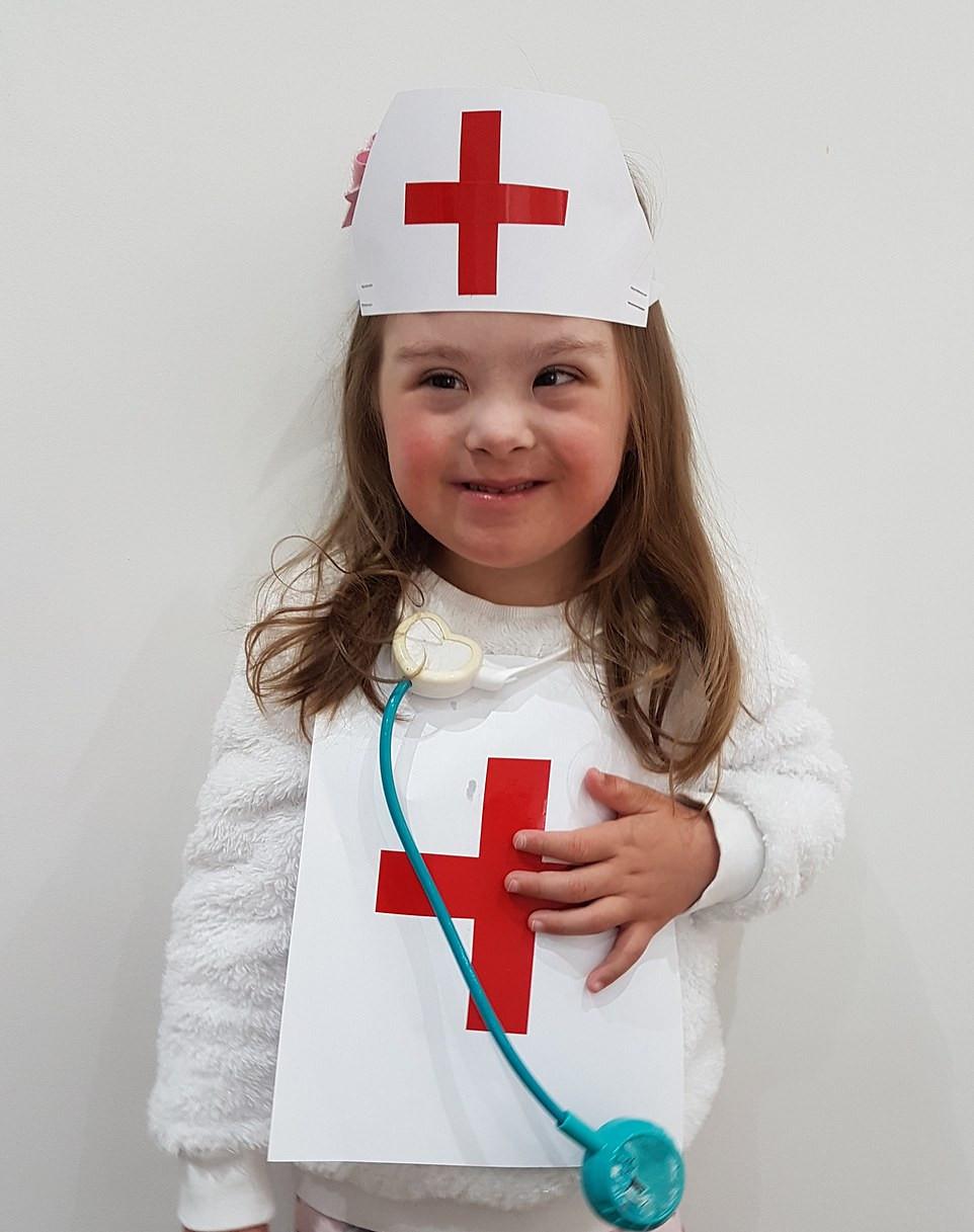 Công nương Kate tiết lộ những bức ảnh về cách thế giới đối phó với đại dịch Covid-19