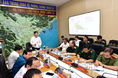 Phó Thủ tướng Trịnh Đình Dũng: Không được chủ quan với cơn bão số 5