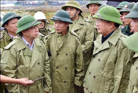Phó Thủ tướng Trịnh Đình Dũng thị sát công tác ứng phó bão số 5 tại Thừa Thiên Huế