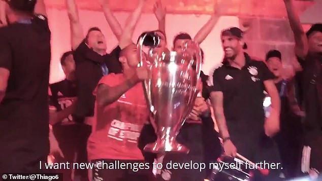 Thiago Alcantara viết thư cho CĐV Bayern Munich trước khi chuyển đến Liverpool