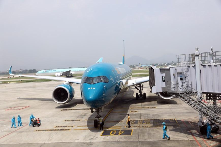 Chuyến bay thương mại quốc tế đầu tiên về Việt Nam sau dịch Covid-19