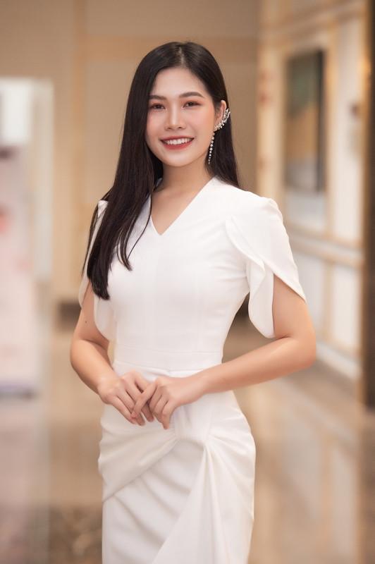"""Dàn thí sinh """"cực phẩm"""" tại vòng Sơ khảo phía Bắc Hoa Hậu Việt Nam 2020"""