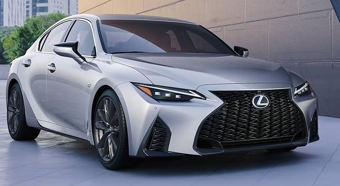 Lexus IS 2021 có giá từ 904 triệu đồng