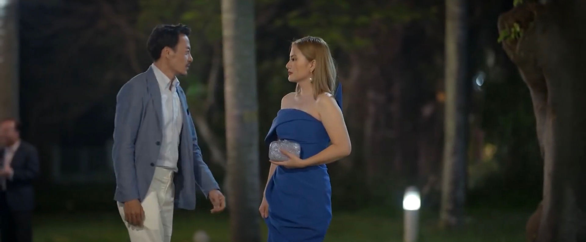 """""""Trói buộc yêu thương"""" tập 8: Khánh nói Dung im mồm, Phương cãi tay đôi với bà Lan"""