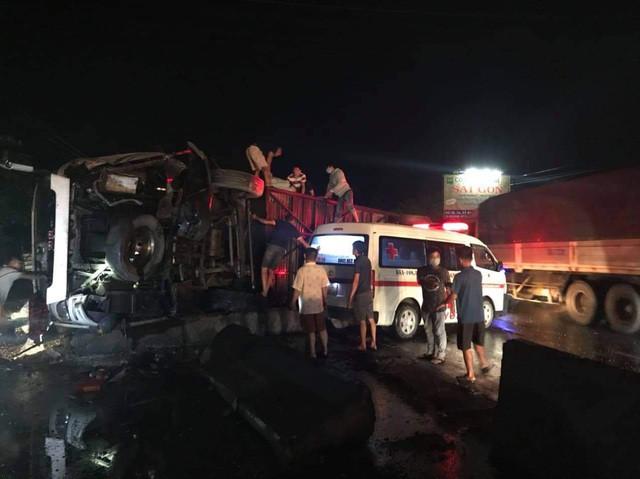 Xe tải tông xe khách giường nằm, 1 người chết, 19 người bị thương