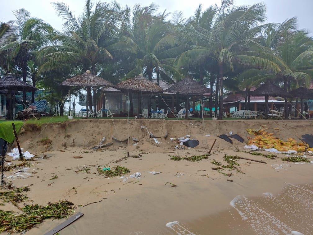Quảng Nam: Bờ biển Cửa Đại tiếp tục sạt lở