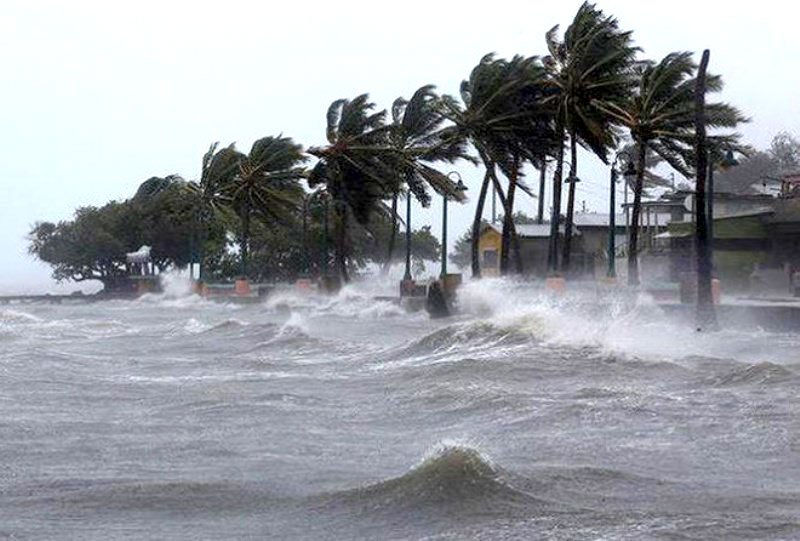 Phó Thủ tướng Trịnh Đình Dũng: Tập trung ứng phó khẩn cấp với bão số 7