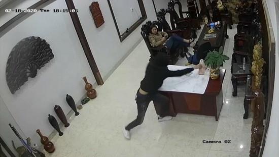 Truy tố 2 bị can gây ra 17 vụ trộm, cướp táo tợn