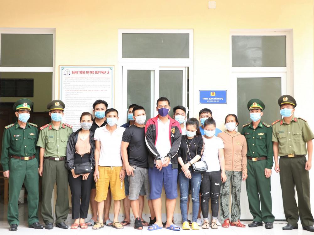 Bóc gỡ đường dây đưa người vượt biên sang Lào