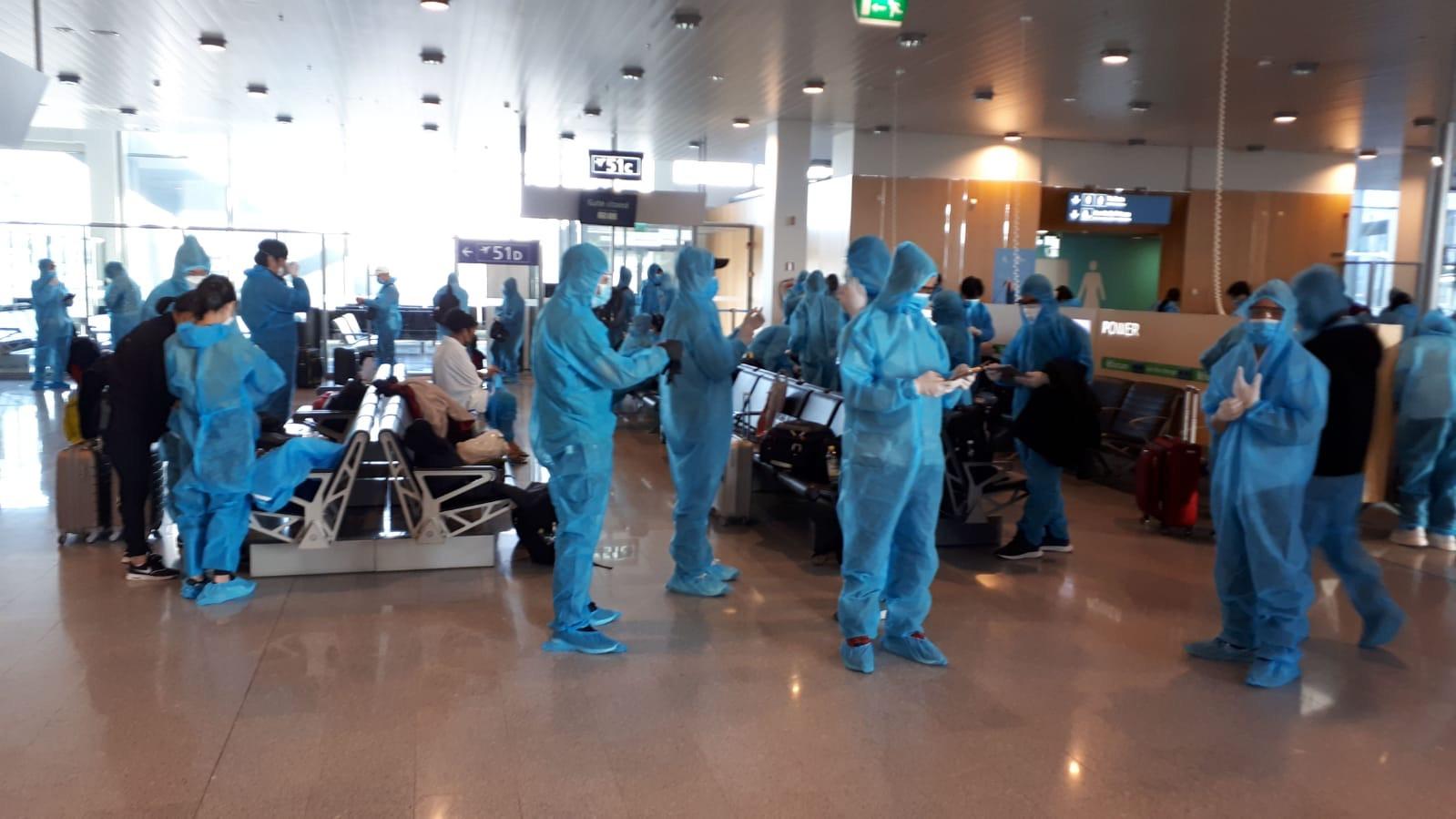 Qatar Airways đưa hơn 340 lao động Việt Nam từ Nauy về nước